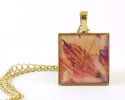 "Microflowers 6 resin pendant  1"" square"